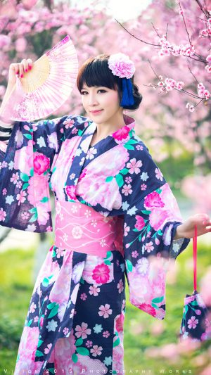 Pretty girl wearing a kimono iPhone 7 wallpaper