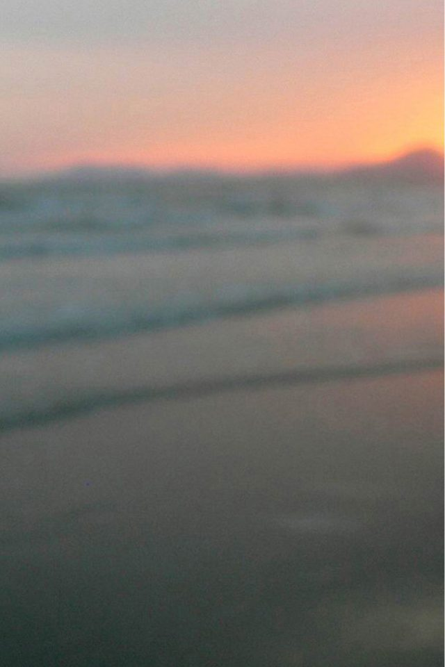 Blurry Beach Sunset iPhone wallpaper