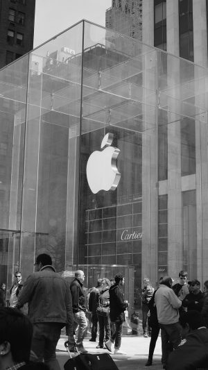 Apple Shop Newyork Dark Bw Cartier City iPhone 7 wallpaper