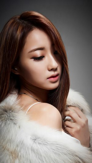 Kyungli Kpop Girl Fur Coat iPhone 7 wallpaper