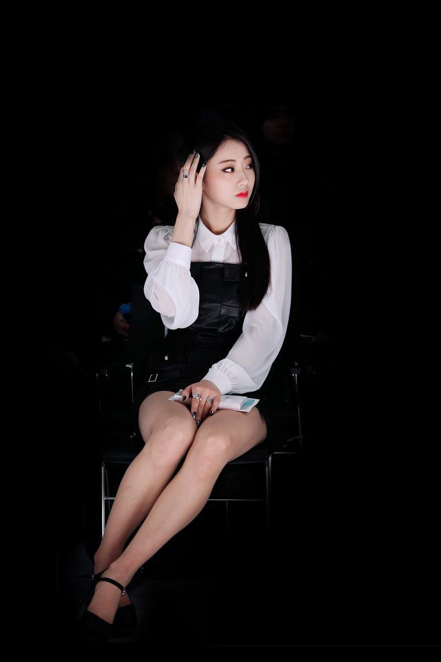 Kyungri Dark Fashion Kpop Girl Iphone 7 Wallpaper