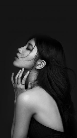 Suji Dark Bw Kpop Girl iPhone 7 wallpaper
