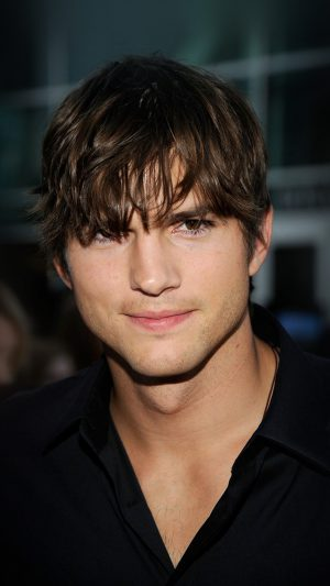 Ashton Kutcher Handsome Hollywood Actor Film Celebrity iPhone 7 wallpaper
