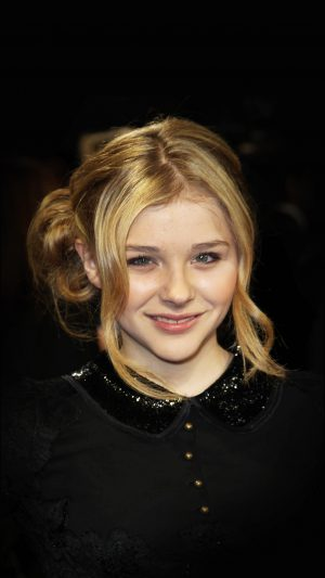 Chloe Moretz Dark Smile Film Cute iPhone 7 wallpaper