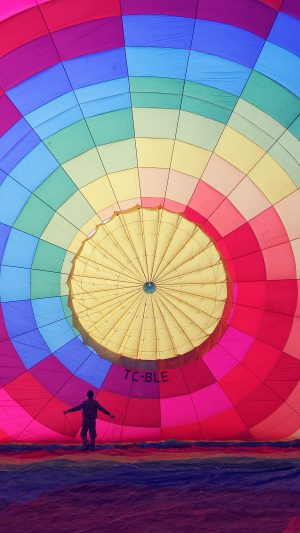 Hot Air Balloon Rainbow Nature iPhone 7 wallpaper