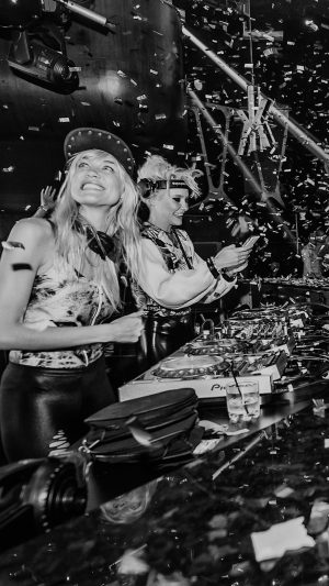 Nervo Hakkasan Night Club Music Dj Live iPhone 7 wallpaper