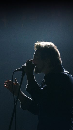Pearl Jam Singing Music Face iPhone 7 wallpaper