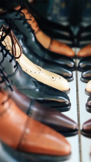Shoes Shop Fashion Bokeh iPhone 7 wallpaper