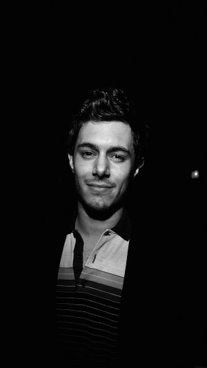 Adam Brody Handsome Dark Actor Celebrity iPhone 7 wallpaper