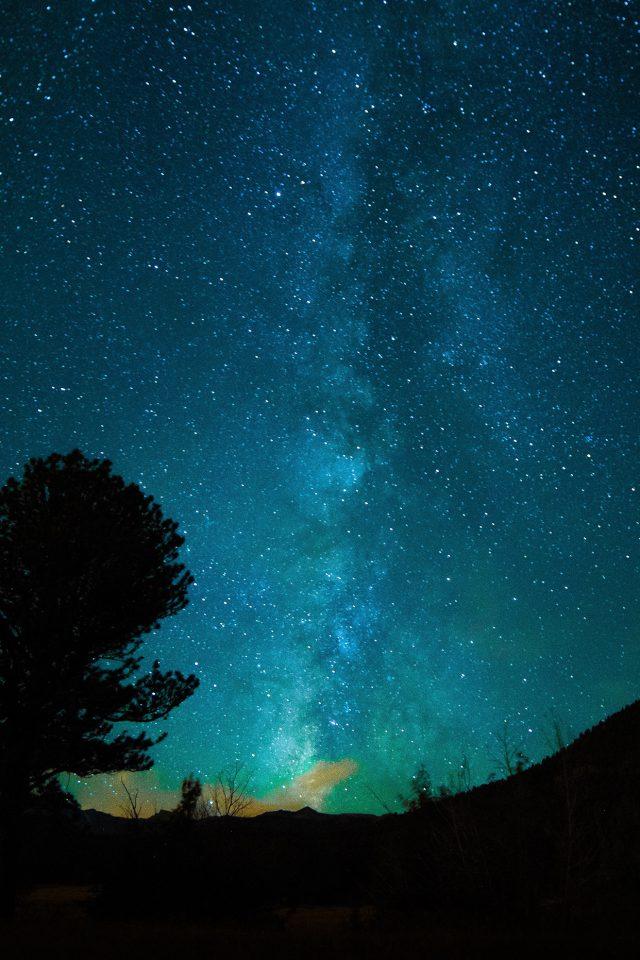 aurora night sky star space nature dark iphone 7 wallpaper