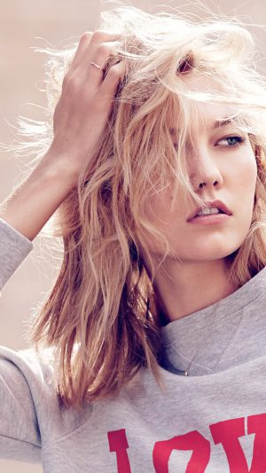 Karlie Kloss Model Natural Girl Pose iPhone 7 wallpaper