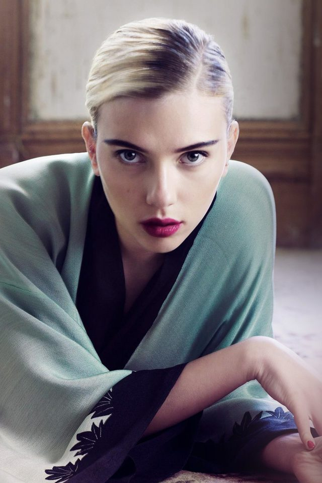 Scarlett Johansson Actress Girl Bed Model iPhone wallpaper