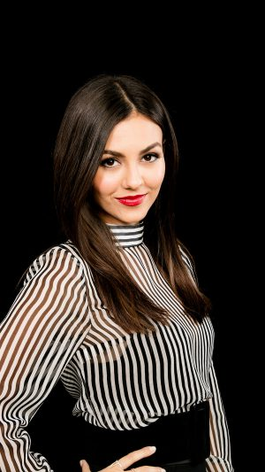 Victoria Justice Actress Celebrity Dark iPhone 7 wallpaper